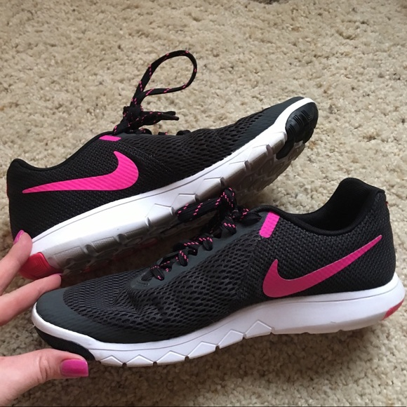 Nike free women running shoes size 9.5 Pink White Black